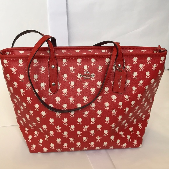 Coach Handbags - Coach zip bag